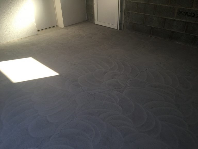 Preparation poncage garage sol resine