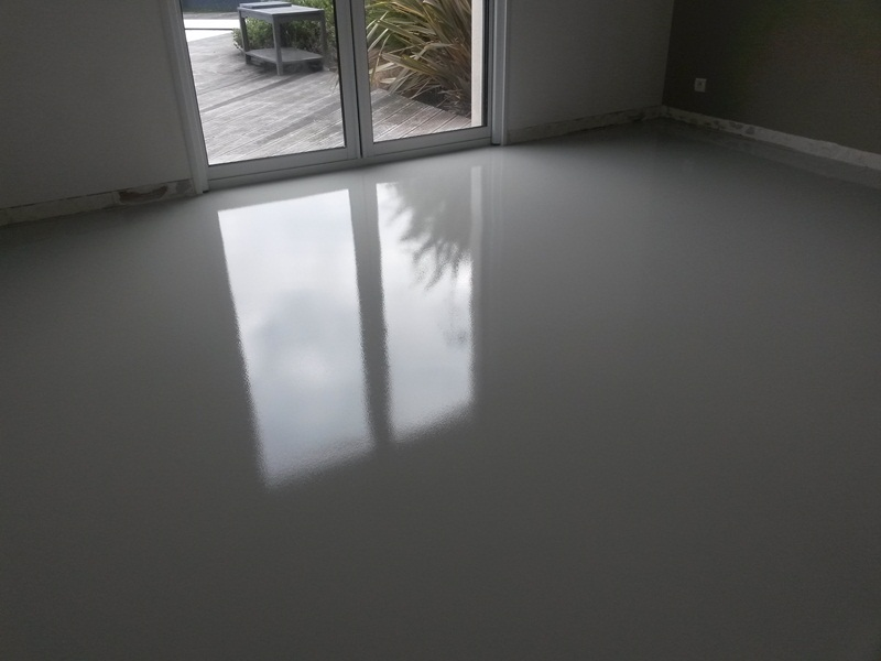 R sin artex galerie photos sol epoxy r sin 39 artex for Resine sol interieur sur carrelage