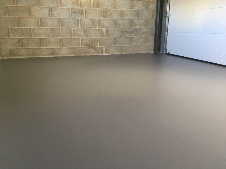 Sol resine Polyurethane mat traite fissures garage