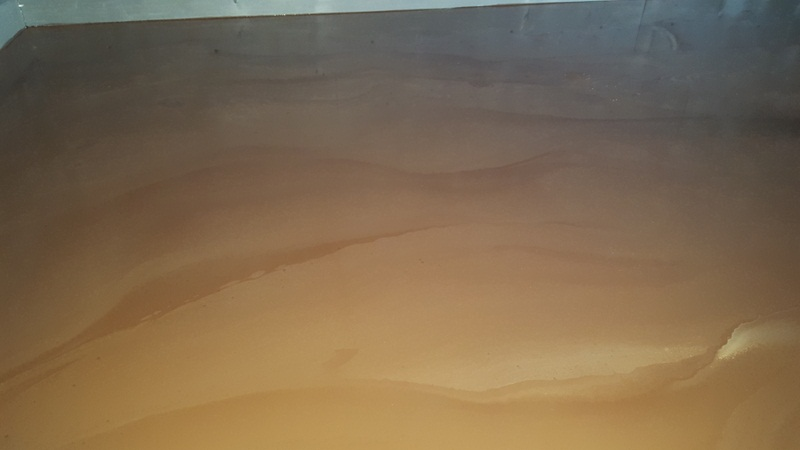 Sol resine epoxy decoratif nuage ocre 5