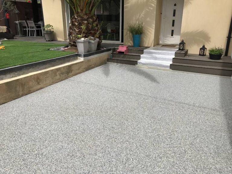 Sol revetement granulat de marbre resine terrasse